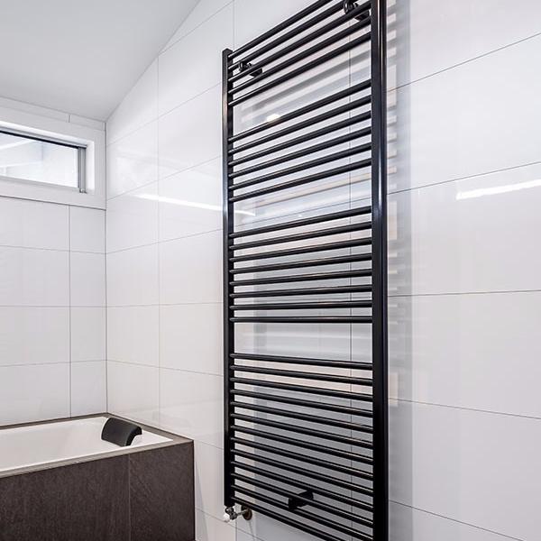 towel-rail-black-parkdale